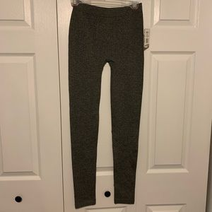 Pink Republic Pants & Jumpsuits - 💥NWT💥 Knitted Leggings